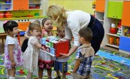 Сенсорное развитие детей раннего возраста с использованием элементов системы Монтессори